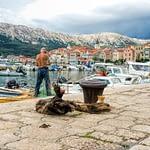 Baska, Croatia - a halász és a macska