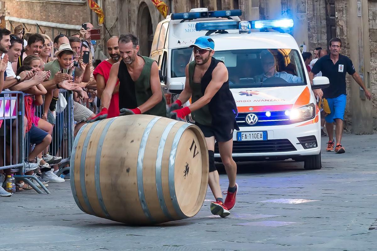 Bravio delle Botti di Montepulciano - valaiknek a végén is be kell futnia