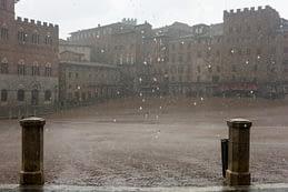 Piazza del Campo, Siena - ritka pillanat, amikor a tér üres